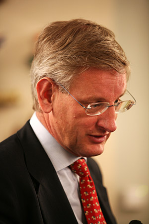 Carl Bildt efter invigningen