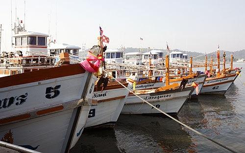 080222_boats